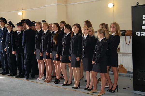 Девушки в летном училище