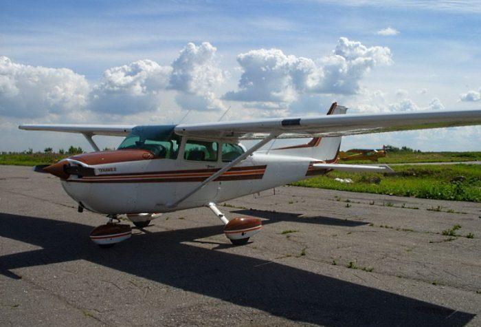 Легкий самолет Cessna 172S