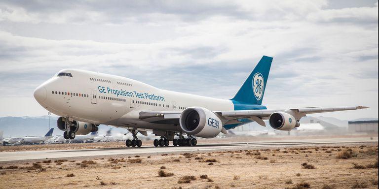 GE завершил первые летные испытания крупнейшего в мире реактивного двигателя