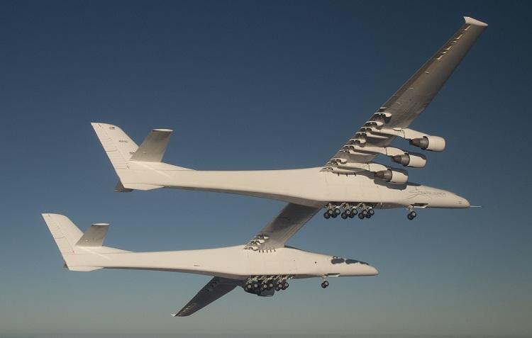 С территории космопорта в США взлетел самый большой самолет в мире