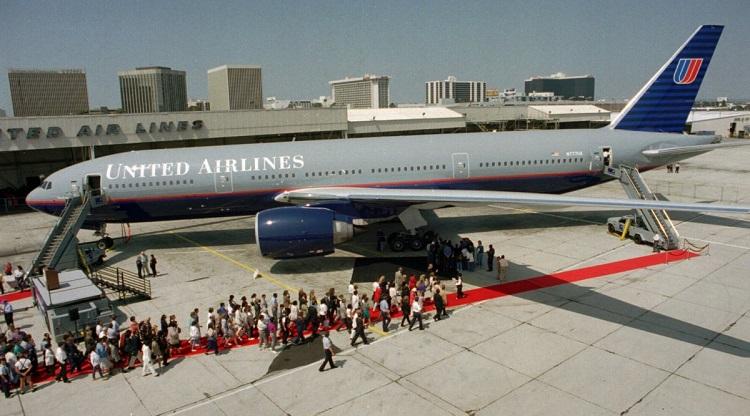 Pervyj-Boeing-777-United