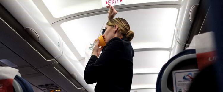 5 самых креативных видео о безопасности в самолете