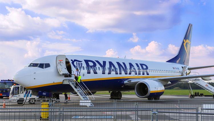 Ryanair сократит рейсы с 24 марта