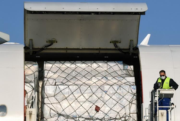 Lufthansa вылетает в Китай за медицинскими масками