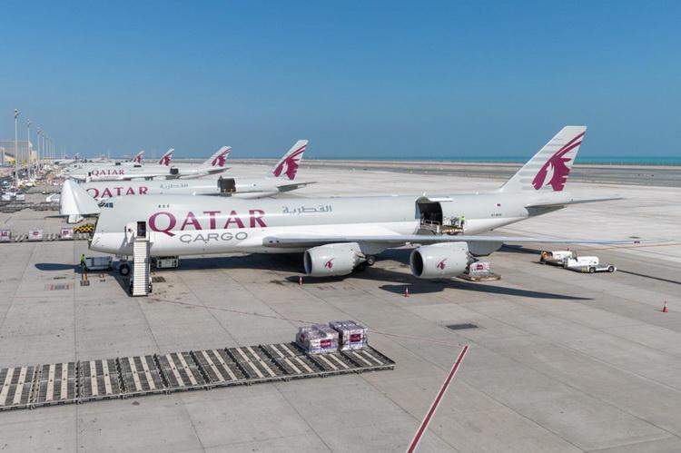 Qatar перевозит грузы в салонах пассажирских авиалайнеров